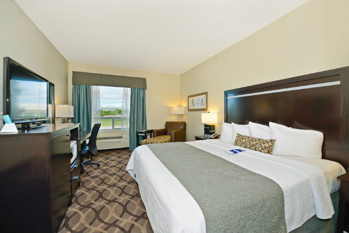 Hotel deals toronto airport parking